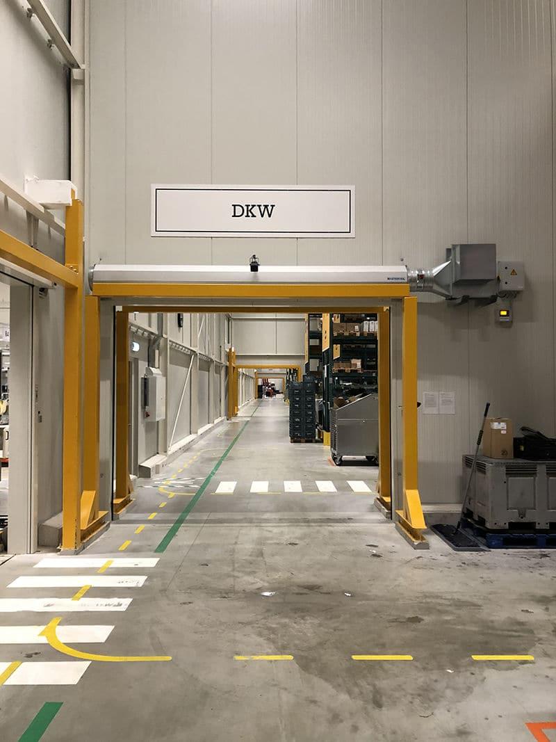 invisible-doors-energy-efficient-temperature-separation-2